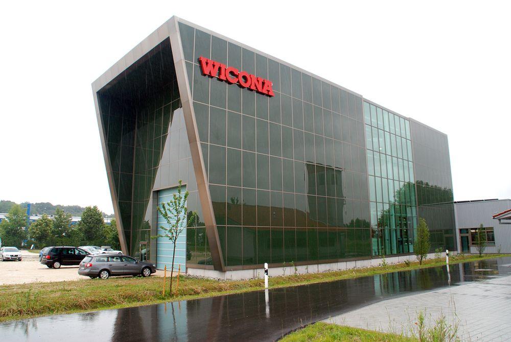 I PLUSS: Hydros Wicona testsenter har gjennom året produsert mye mer energi enn det bruker, selv  om produksjonen var minimal i forhold til bruk i de kalde vintermånedene.