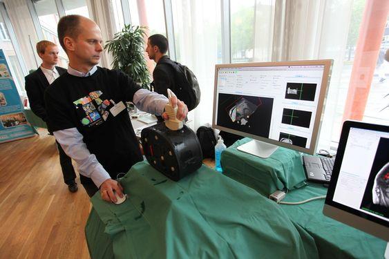 SINTEF-forsker Geir Arne Tangen ultralyd CT-bilder
