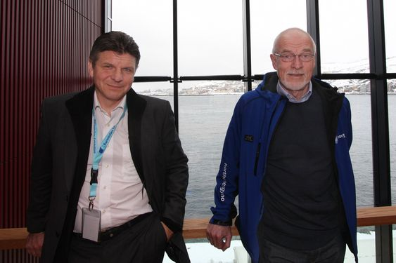 KLARER KONKURRANSEN: Johan Petter Barlindhaug mener skifergass ikke er noen trussel mot norsk gass. - Ingen kan transportere gass billigere enn Norge, sier han (til høyre i bildet).