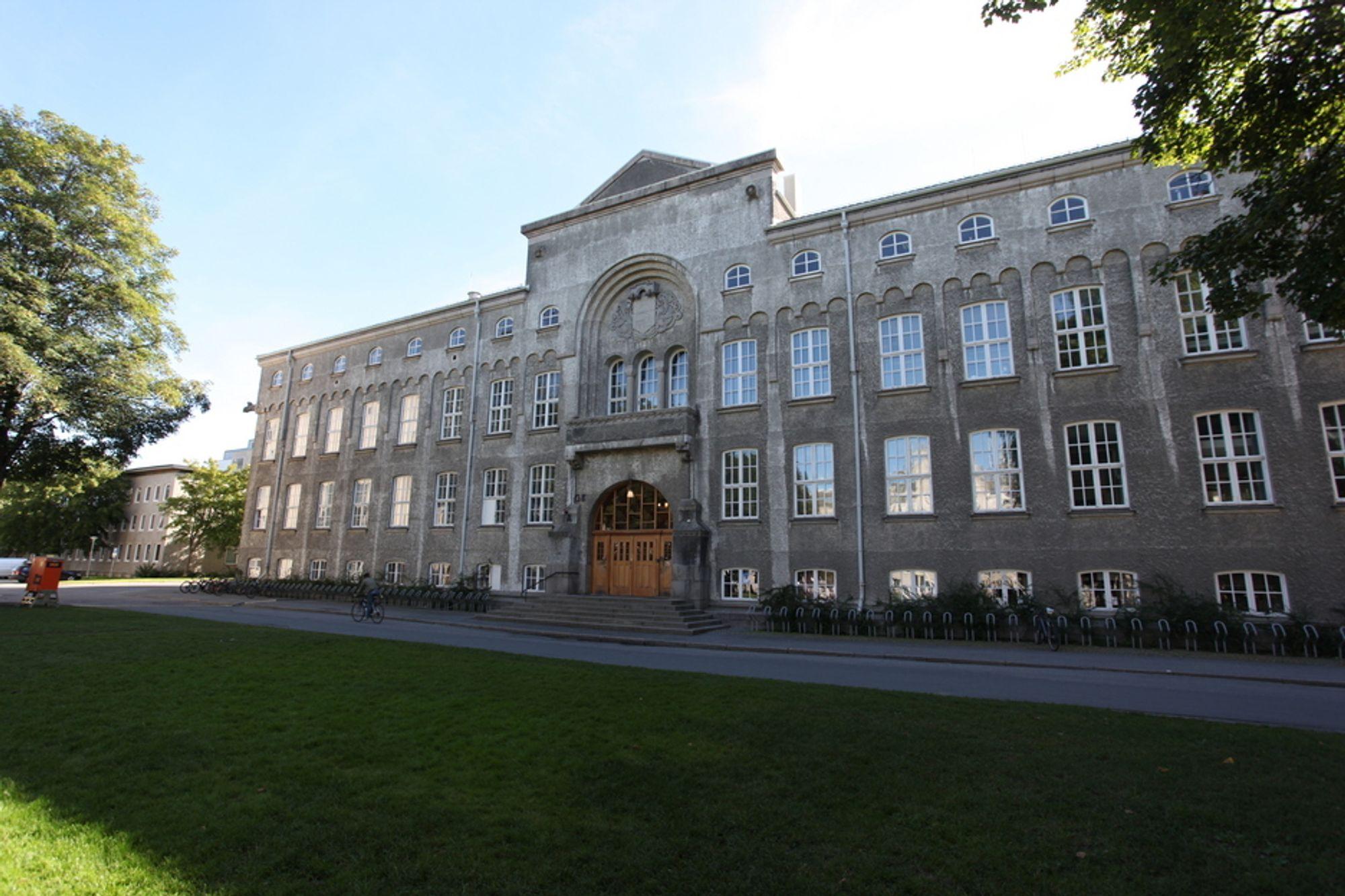 TALL: Flere studenter vil til Gløshaugen og andre læresteder for teknologi.