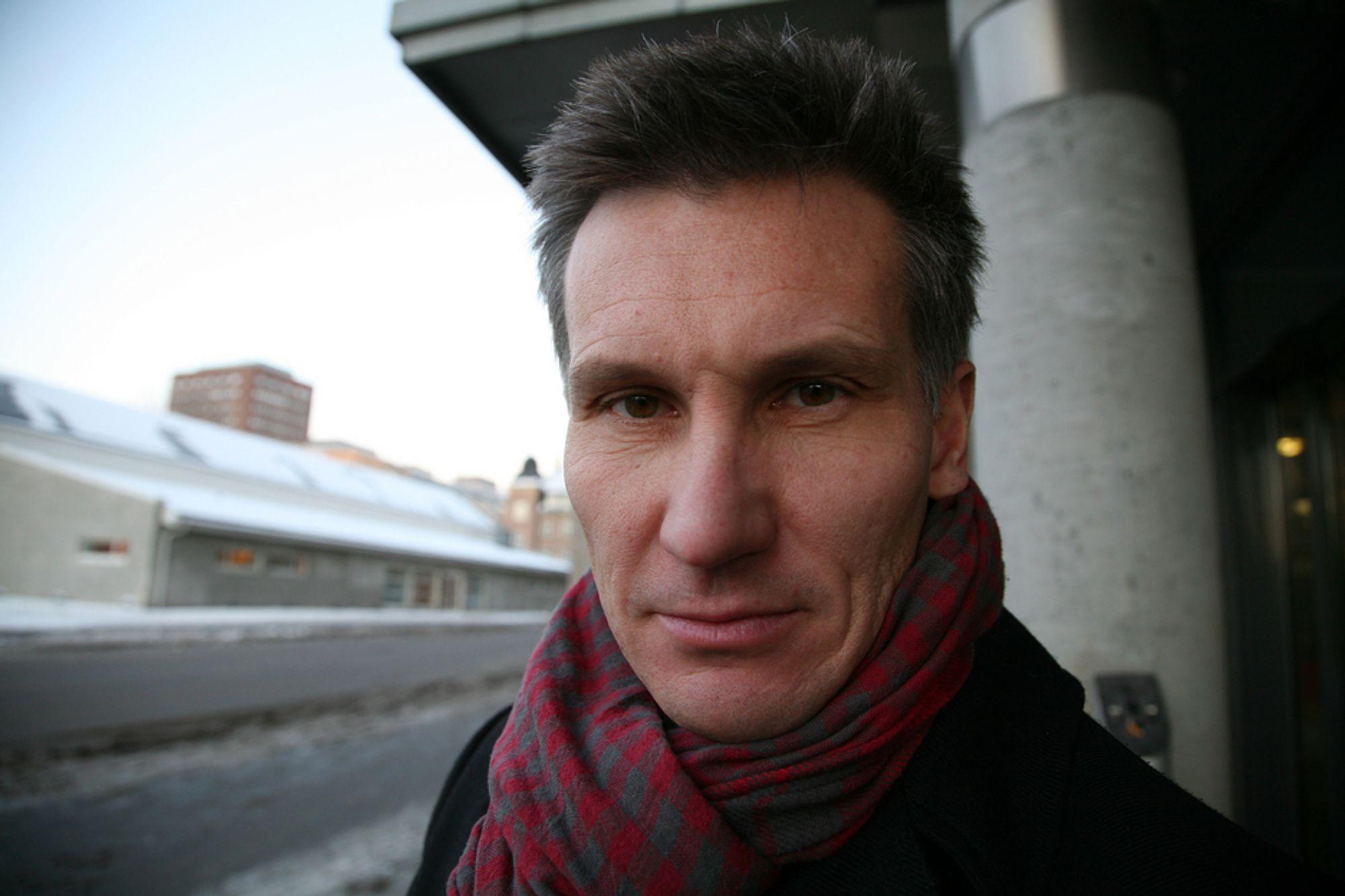 Datatilsynet, her ved direktør Bjørn Erik Thon, foreslår et kompromiss for å sikre flertall mot EUs datalagringsdirektiv.