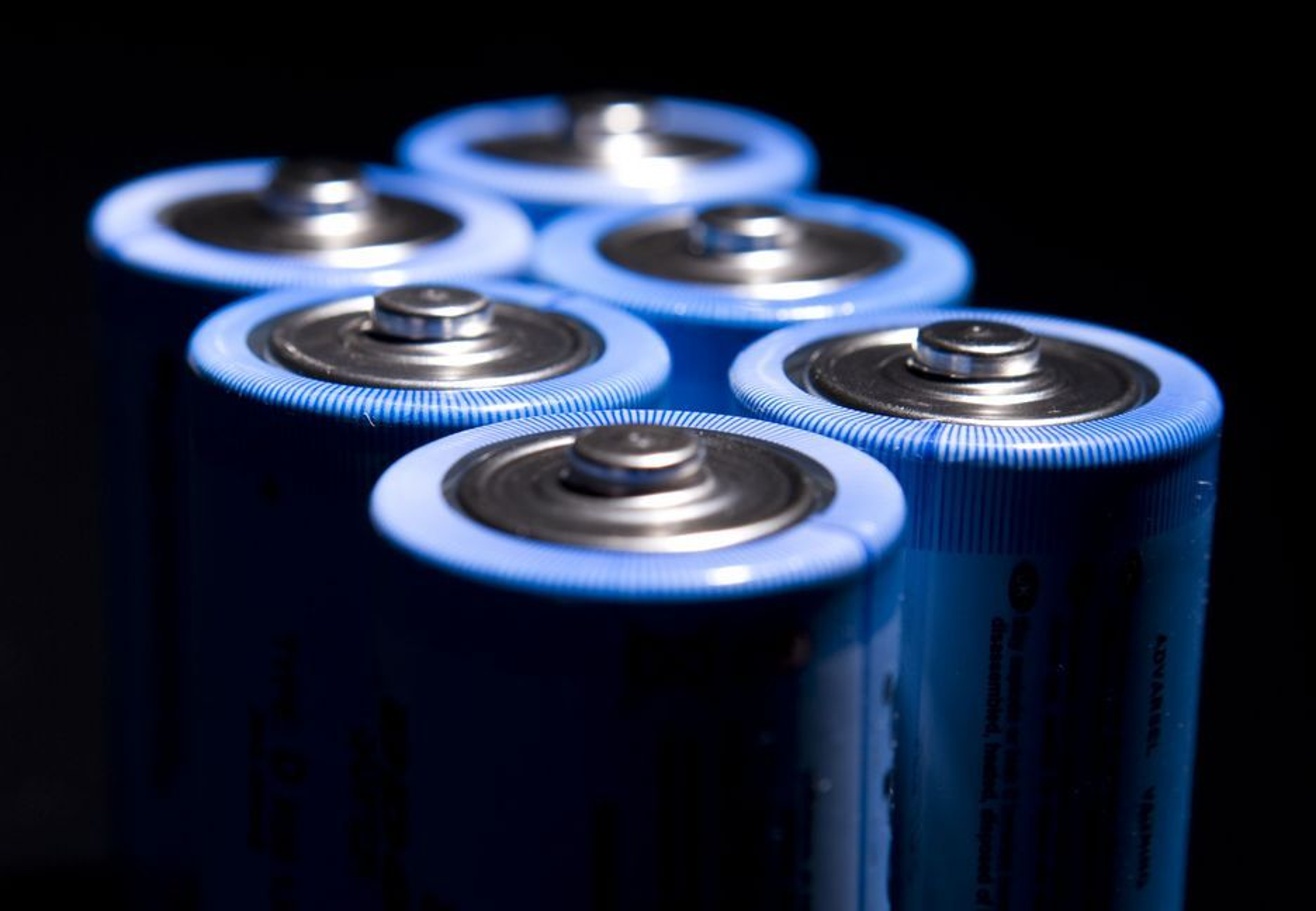 Batterier laget av litiumsulfid og silisium kan bli litiumionebatterienes avløsere. Men først må en rekke utfordringer løses.