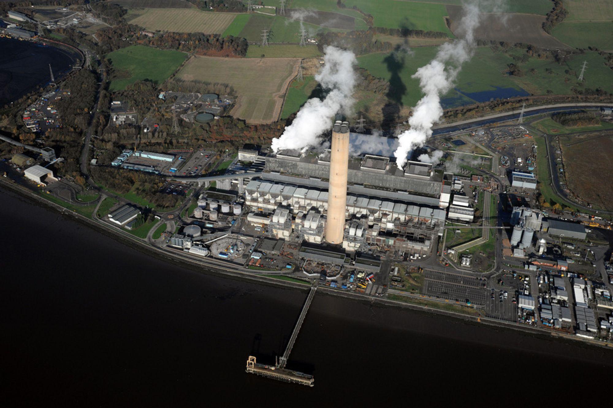 ALENE IGJEN: Scottish Powers CO2-fangstplaner på kullkraftverket Longannet står alene igjen i den britiske regjeringens fangstkonkurranse. Dermed får de ni milliarder kroner til å bygge et fullskalaanlegg sammen med norske Aker Clean Carbon.