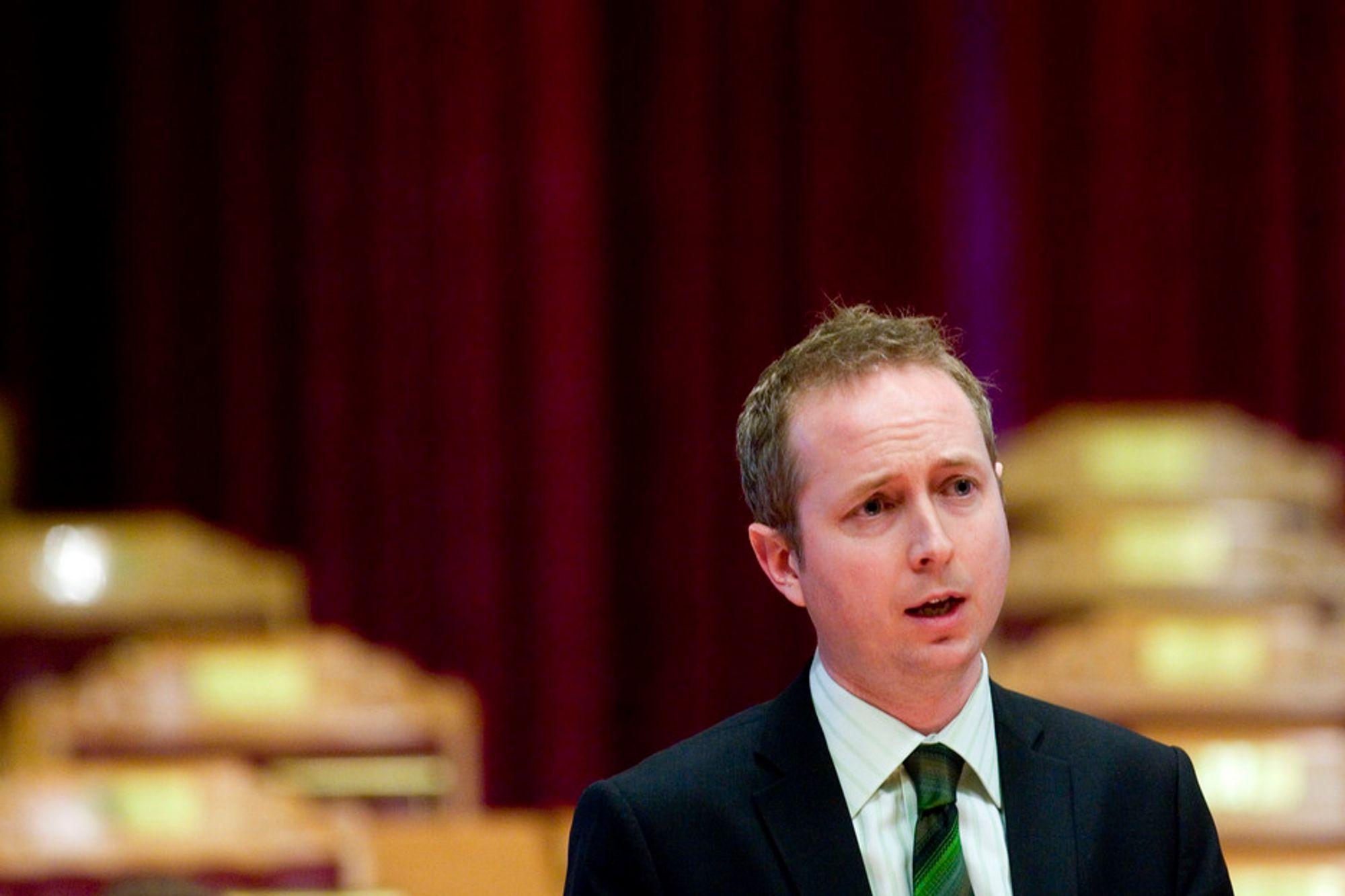 GRØNNERE: ¿ SV skal bli et fundamentalt grønt parti, sa partiets nestleder, Bård Vegar Solhjell.