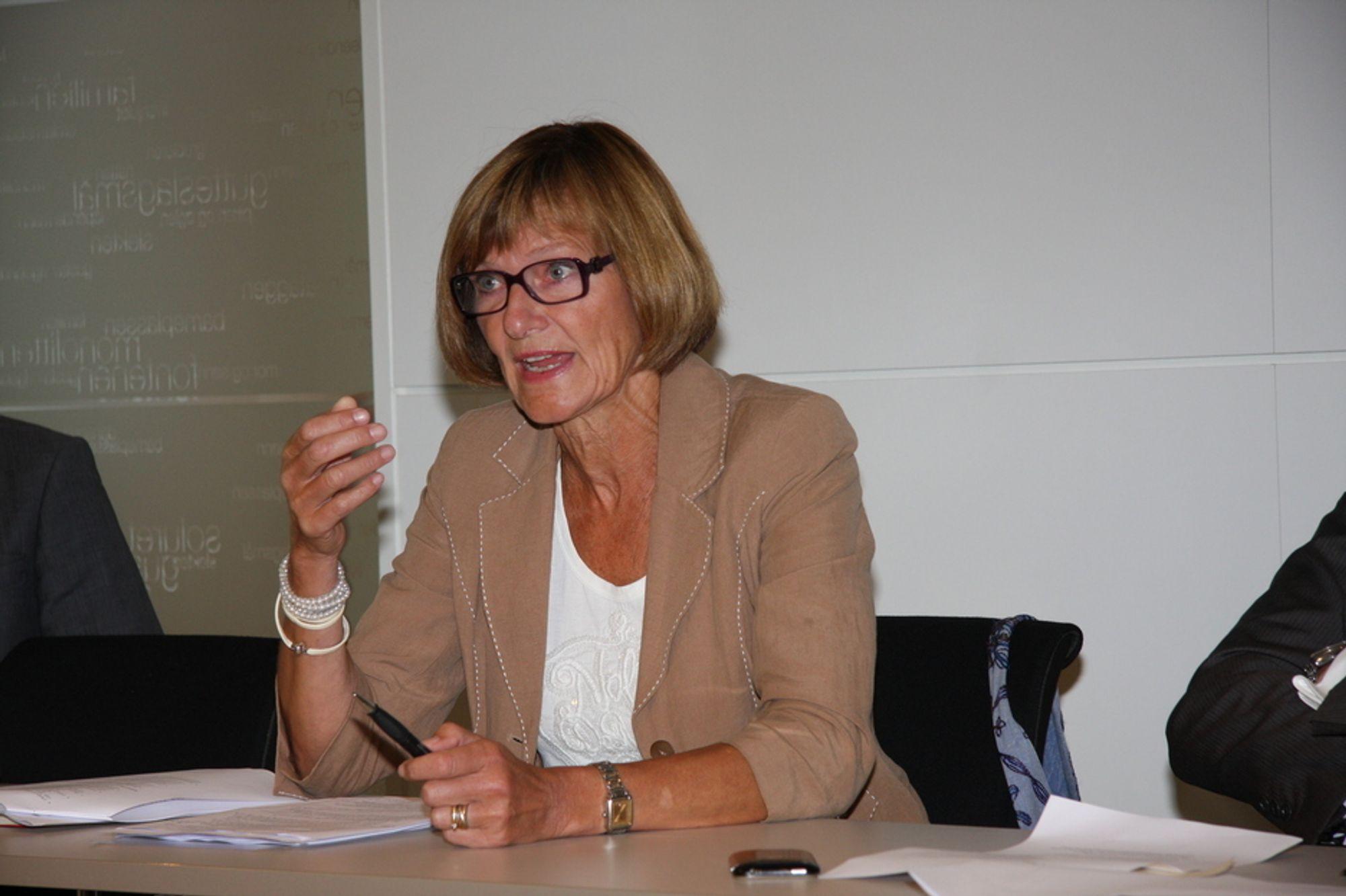 LÆRDOM: Administrerende direktør Gro Brækken i Oljeindustriens Landsforening (OLF) fant ikke så mye  å lære av amerikansk regelverk i DNV-rapporten.
