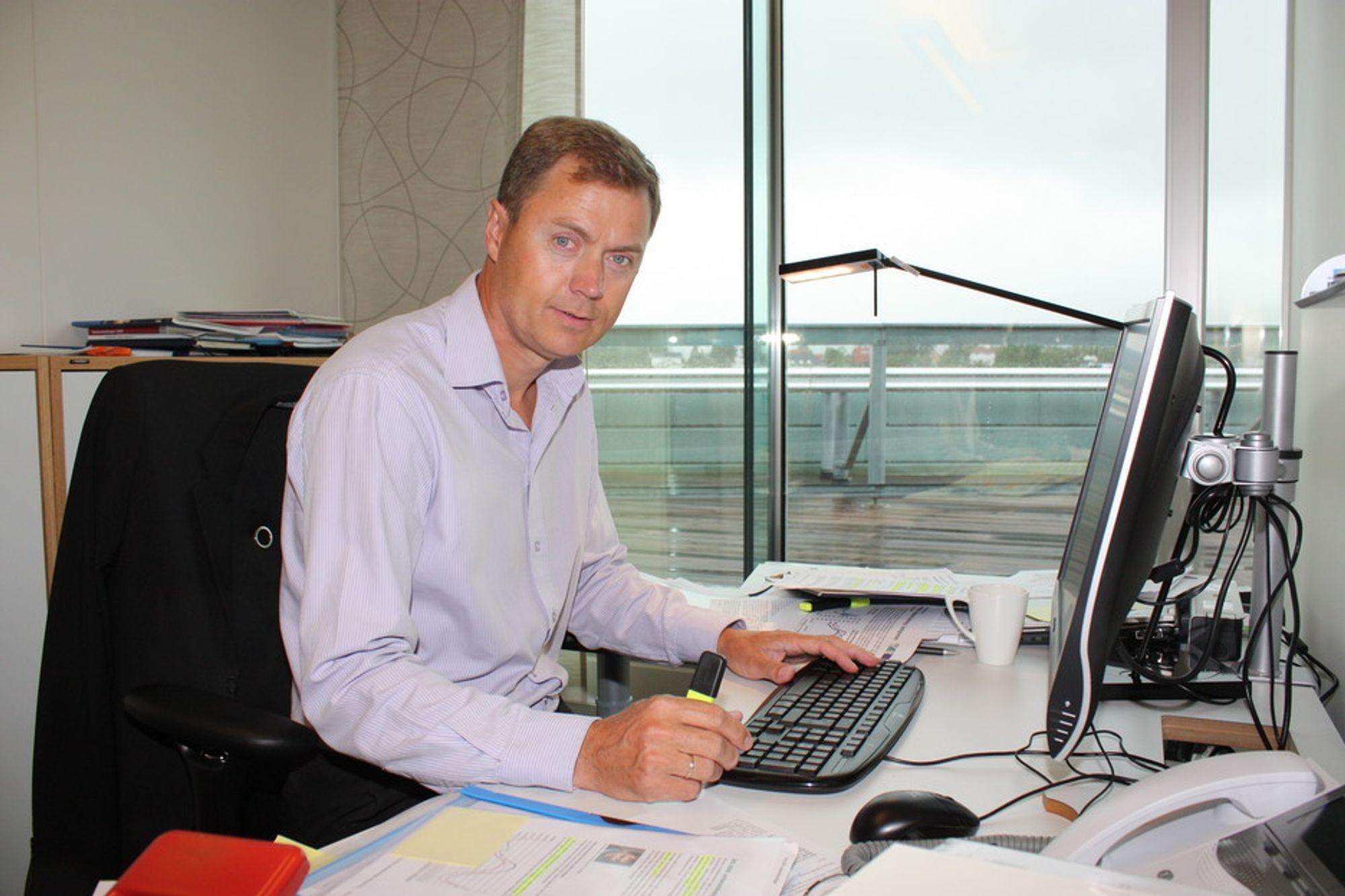 KAN FLYTTE: Knut Sunde i Norsk Industri mener at mange bedrifter kan velge å flytte på grunn av lempfeldig praktisering av eiendomsbeskatningen i de forskjellige kommunene.ustri mener at mange bedrifter kommer til å flytte som et resulatat av lempfeldig