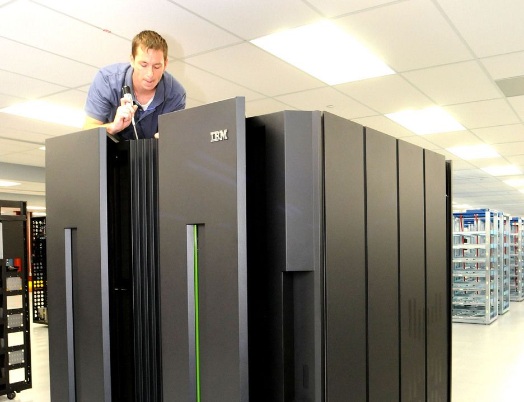 STOR: Ikke bare er IBMs nye generasjon stormaskiner, zEnterprise, velvoksne. De kan ta seg av store oppgaver også.