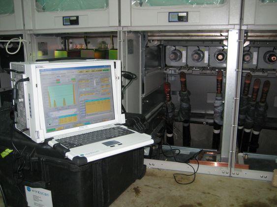 KONTROLL: Wirescans utstyr koblet på anlegget i et kjernekraftverk i Tyskland. Utstyret er uvtiklet for å kunne konrollere kabler i strålingsfarlige områder uten å kunne inspisere manuelt.