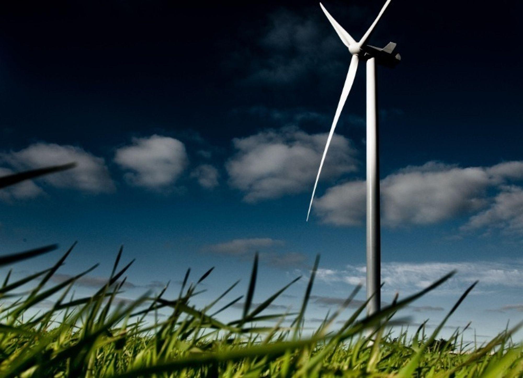 OVERKAPASITET: Dette er en Vestas V112-turbin med kapasitet på 3 megawatt. Det er for dyrt å produsere slike i Danmark og Sverige, så nå legger Vestas ned fire fabrikker og flytter produksjonen nærmere vekstmarkedene i Asia og USA.