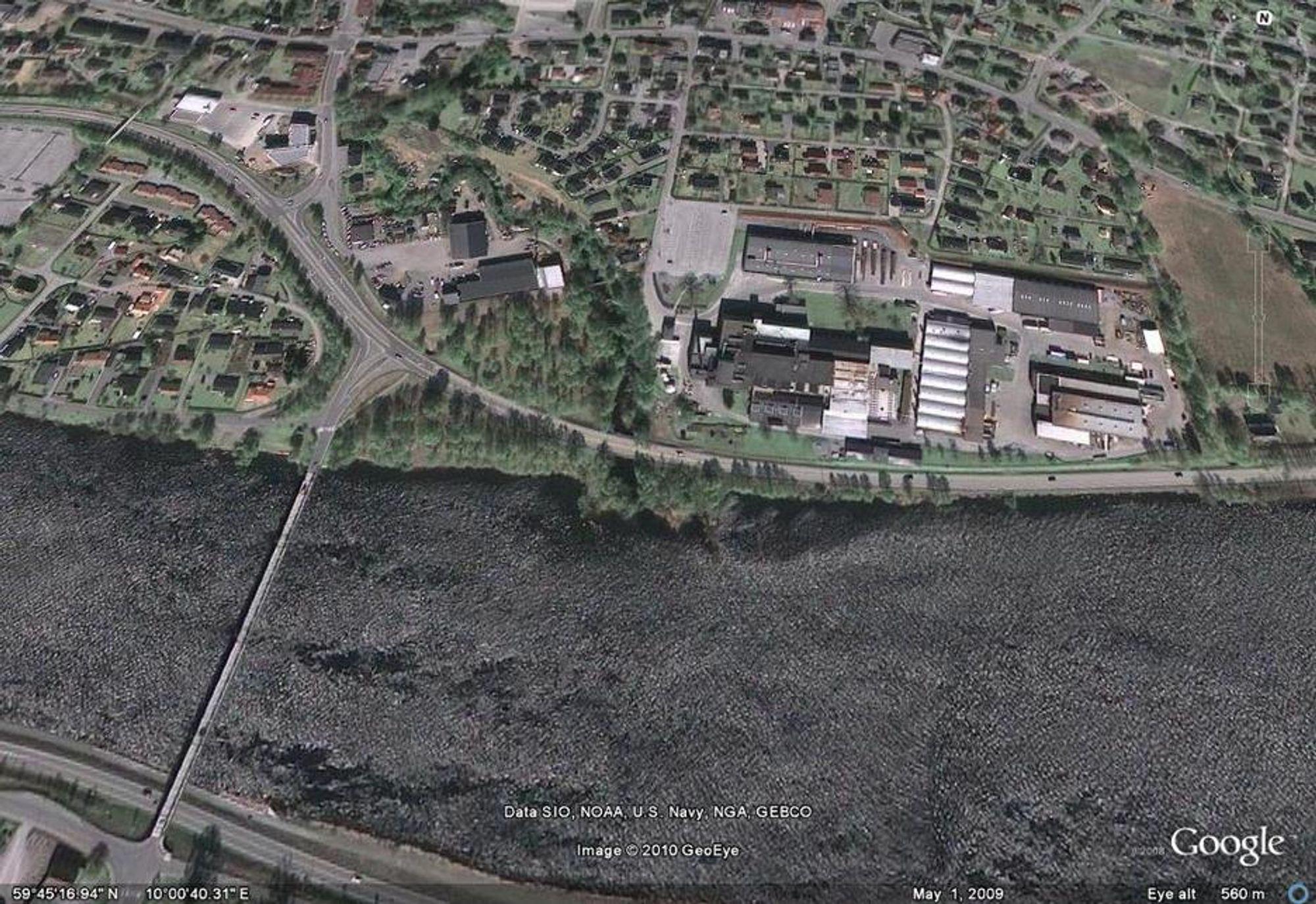 NY RNUNDKJØRING: Veivesenet vurderer en ny rundkjøring ved Gale Mjøndalsbru. Her er det mulig for Trelleborg å få en ny adkomstvei.