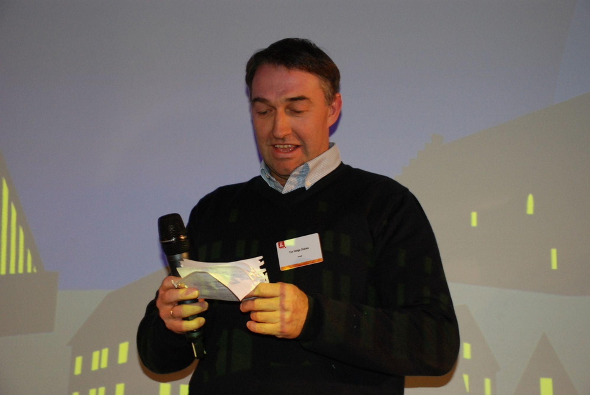 FIKK HEDERSPRIS: Seniorforsker ved Sintef Byggforsk, Tor Helge Dokka, mener byggebransjen har en ufortjent lav status, når det kommer til bransjens arbeid med energieffektivisering.