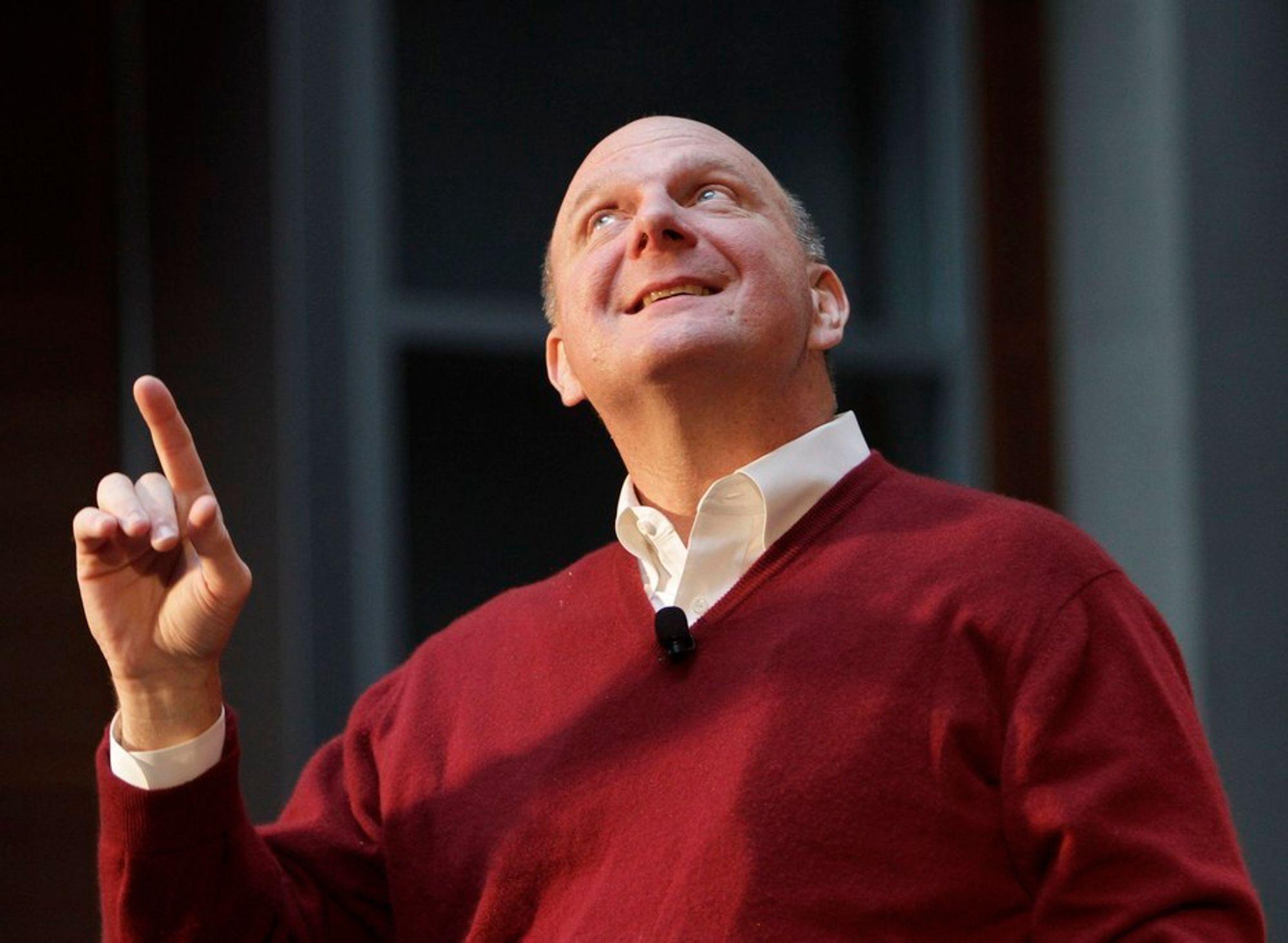 STERKT KVARTAL: Microsoft-sjef Steve Ballmer smiler, mens omsetningen til selskapet øker med 25 prosent.