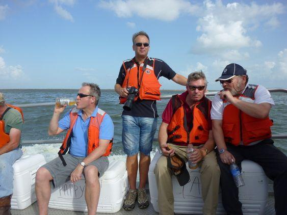 Seniorrådgiver Ole Kristian Bjerkemo (stående) i Kystverkets beredskapsvadeling fikk se oppryddingsarbeidet i Mexicogolfen på nært hold.