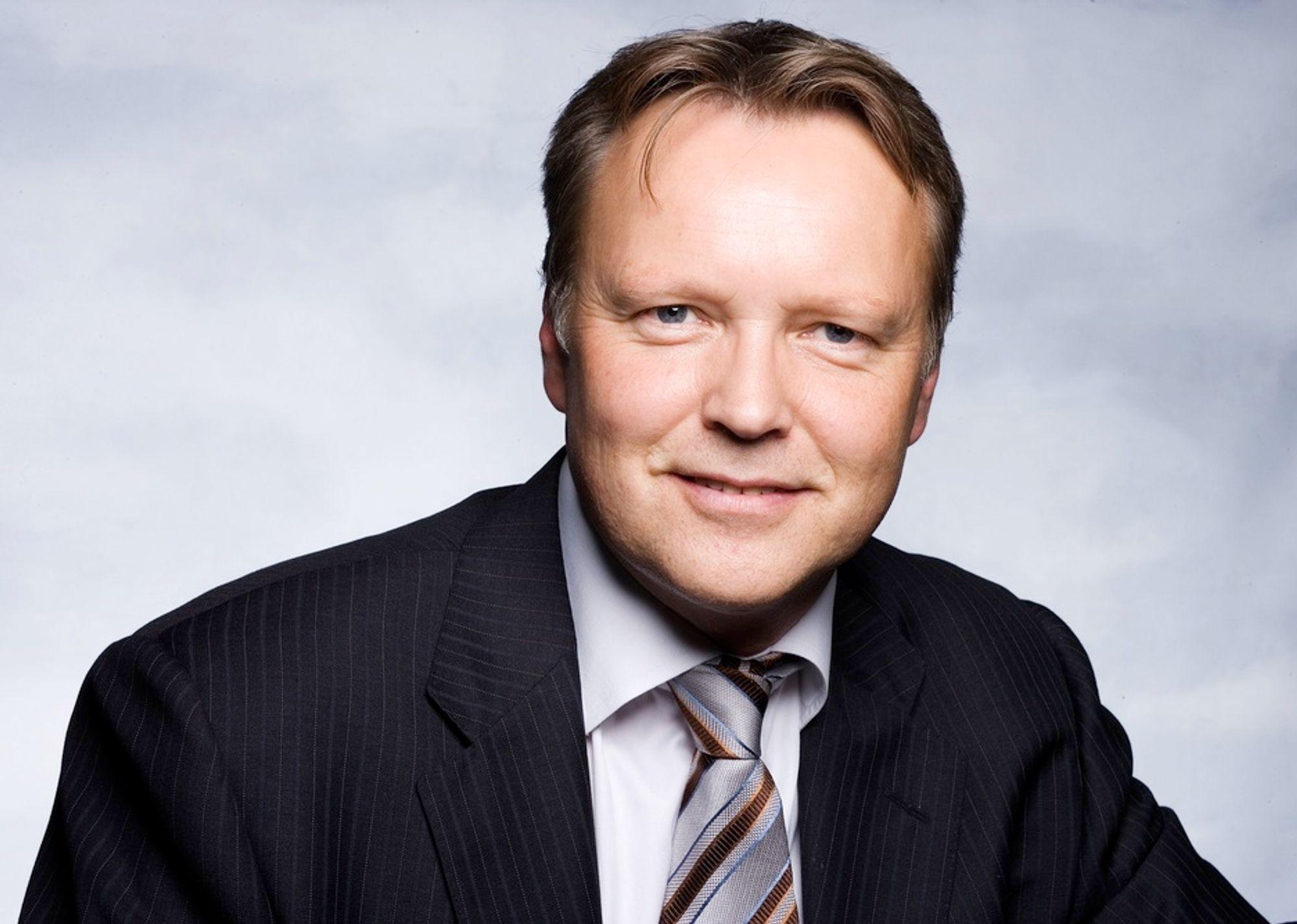 PÅ HANDLETUR:  Administrerende direktør Pål Helsing i Kongsberg Oil & Gas Technonolgies har vært på handletur i Bergen.  - Oppkjøpet av Odfjell Consulting vil styrke vår oppstrømsaktivitet, sier han.