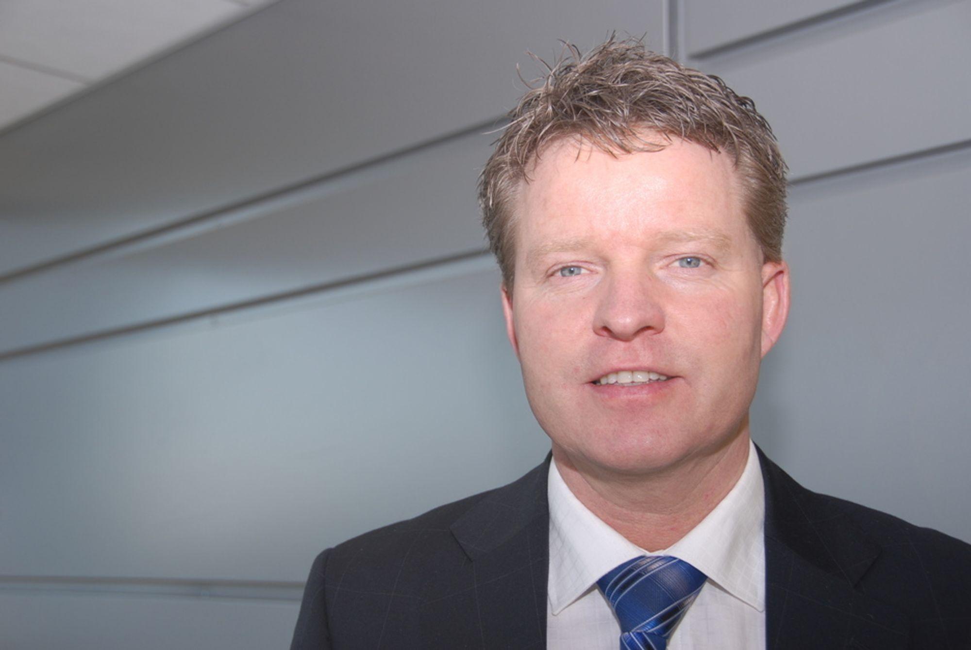 EKSISTERENDE BYGG: Runar Hansesætre, administrerende direktør i Schneider Electric er opptatt av at det blir tilstrekkelgi fokus på enerigsparing i eksisterende bygg.