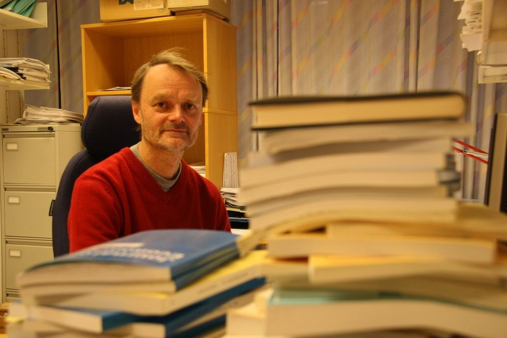 VIL FORSKE: Seniorforsker Knut Røed mener det er all grunn til å se nærmere på om byggenæringen bruker sykmelding som subsitutt for permitteringer.