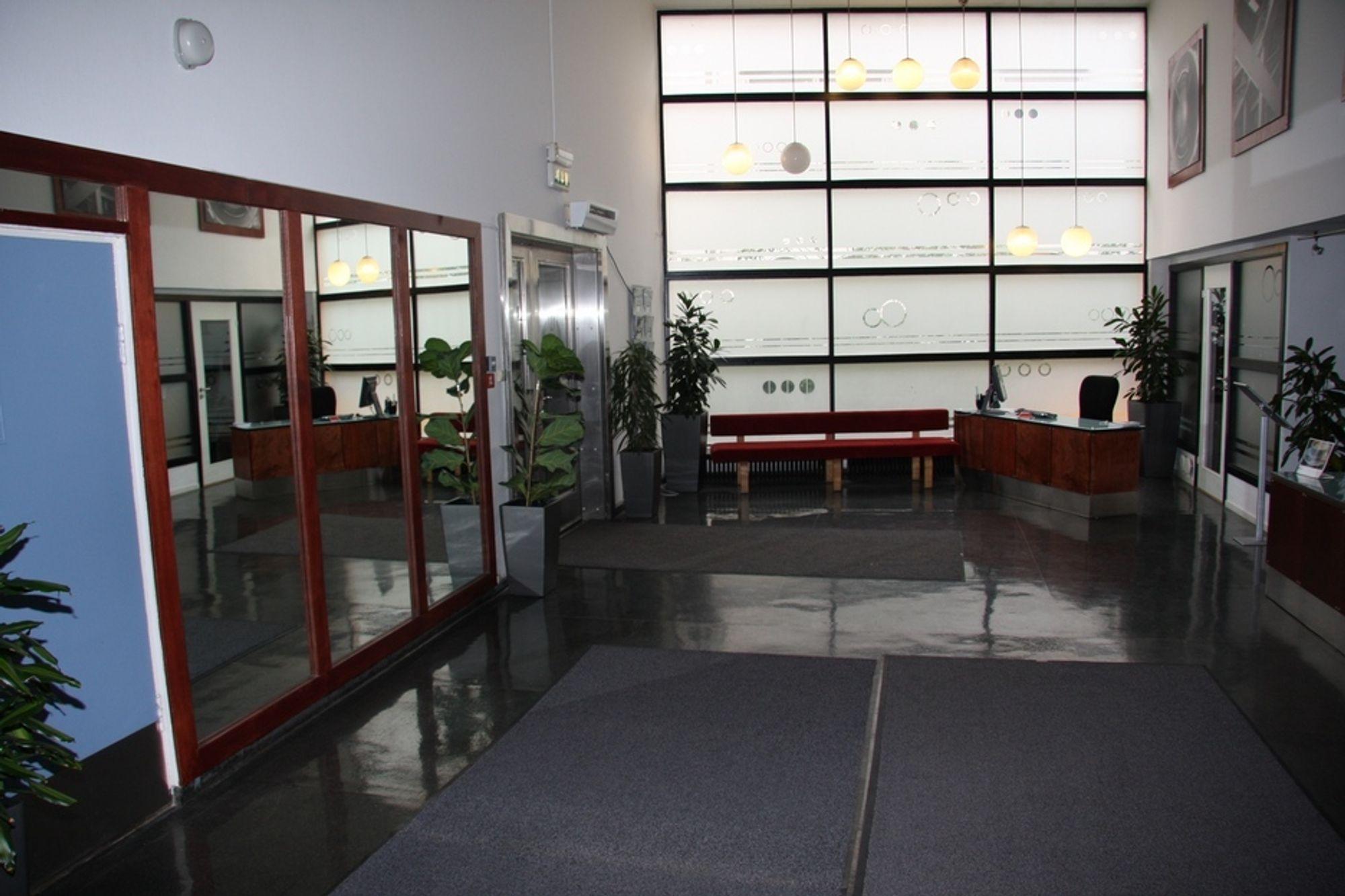 INGENIØRENES HUS: Et av møterommene, slik det ser ut i dag. Her blir det blant annet tilrettelagt for rullestolbrukere.