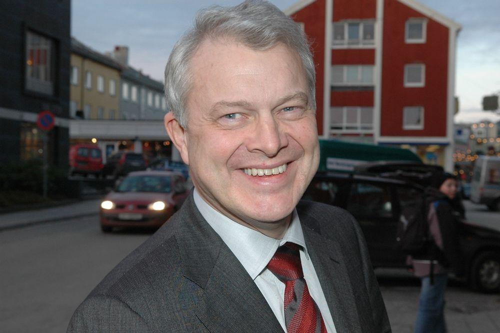 LEVERER: - Dette er den andre, store utbyggingsplanen vi leverer inn i år. Det er vi svært fornøyd med, sier konserndirektør Øystein Michelsen i Statoil.