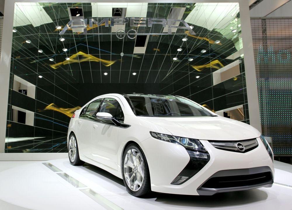 Den ladbare hybriden Opel Ampera skal settes i produksjon i 2011.