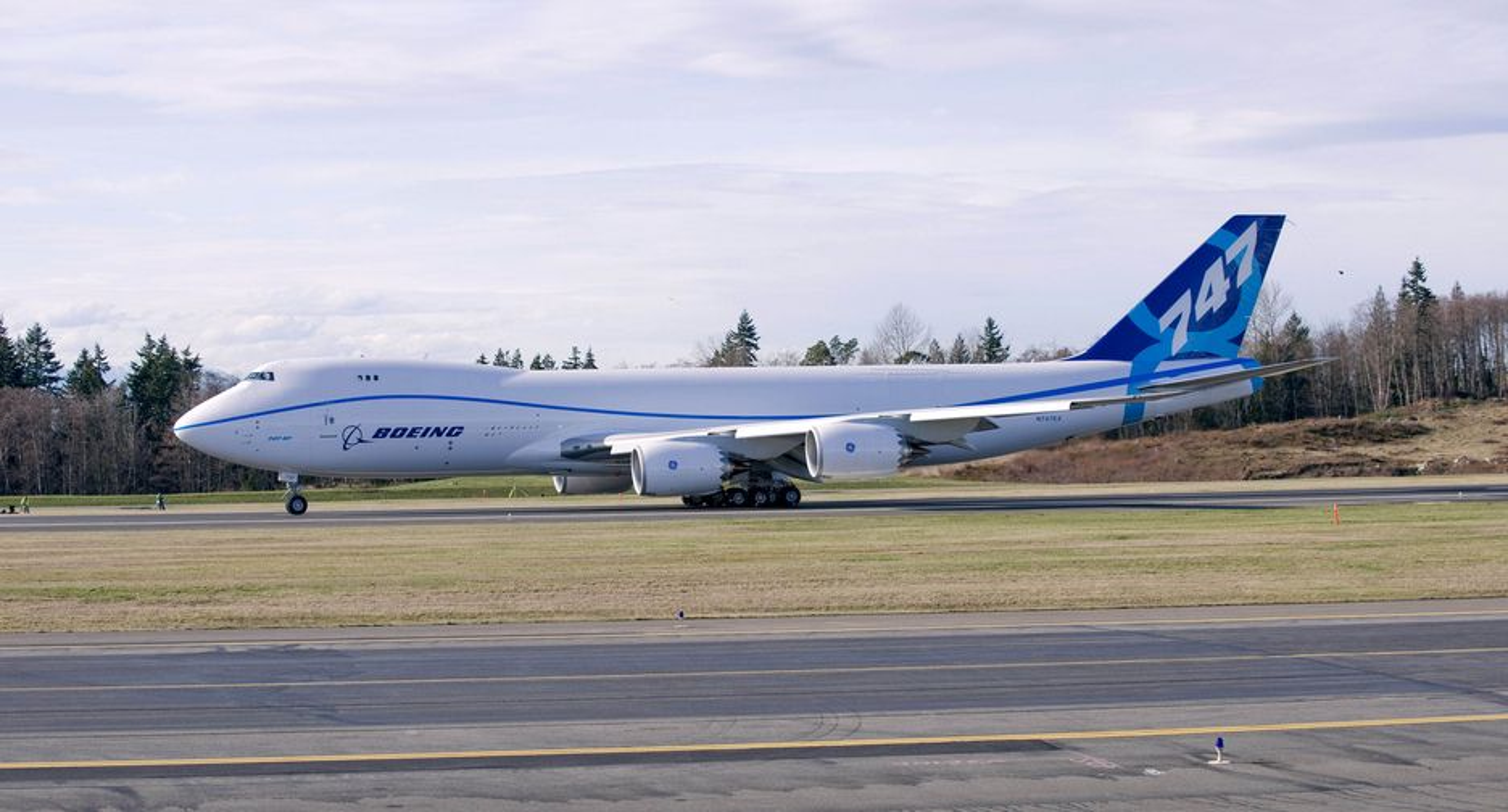 Fraktversjonen av nye 747-8 fløy for første gang mandag.
