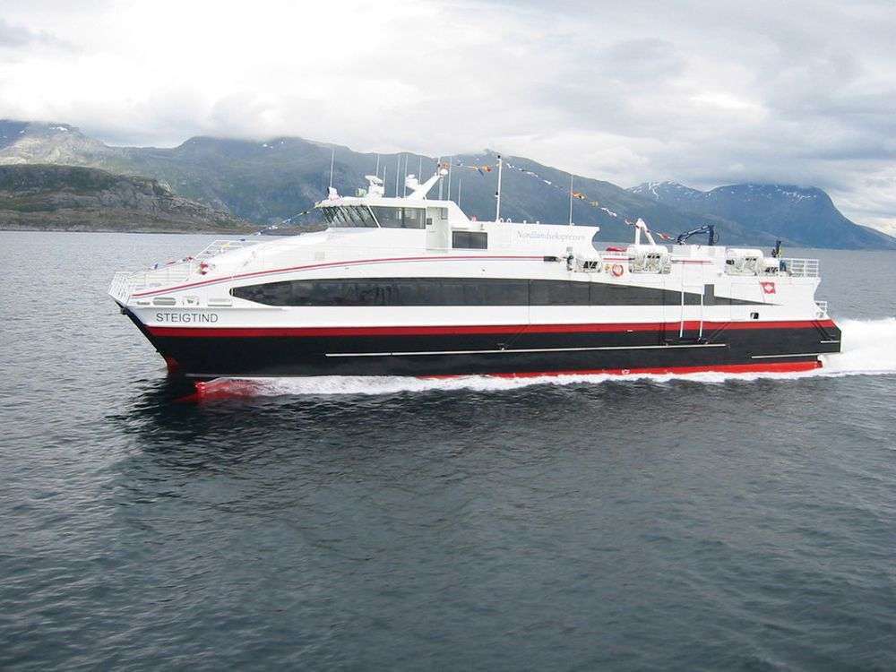 REDUSERER UTSLIPP: Hurtigbåtenes Rederiforbund er én av 15 organisasjoner som i dag undertegner en ny NOx-avtale med Miljøverndepartementet.