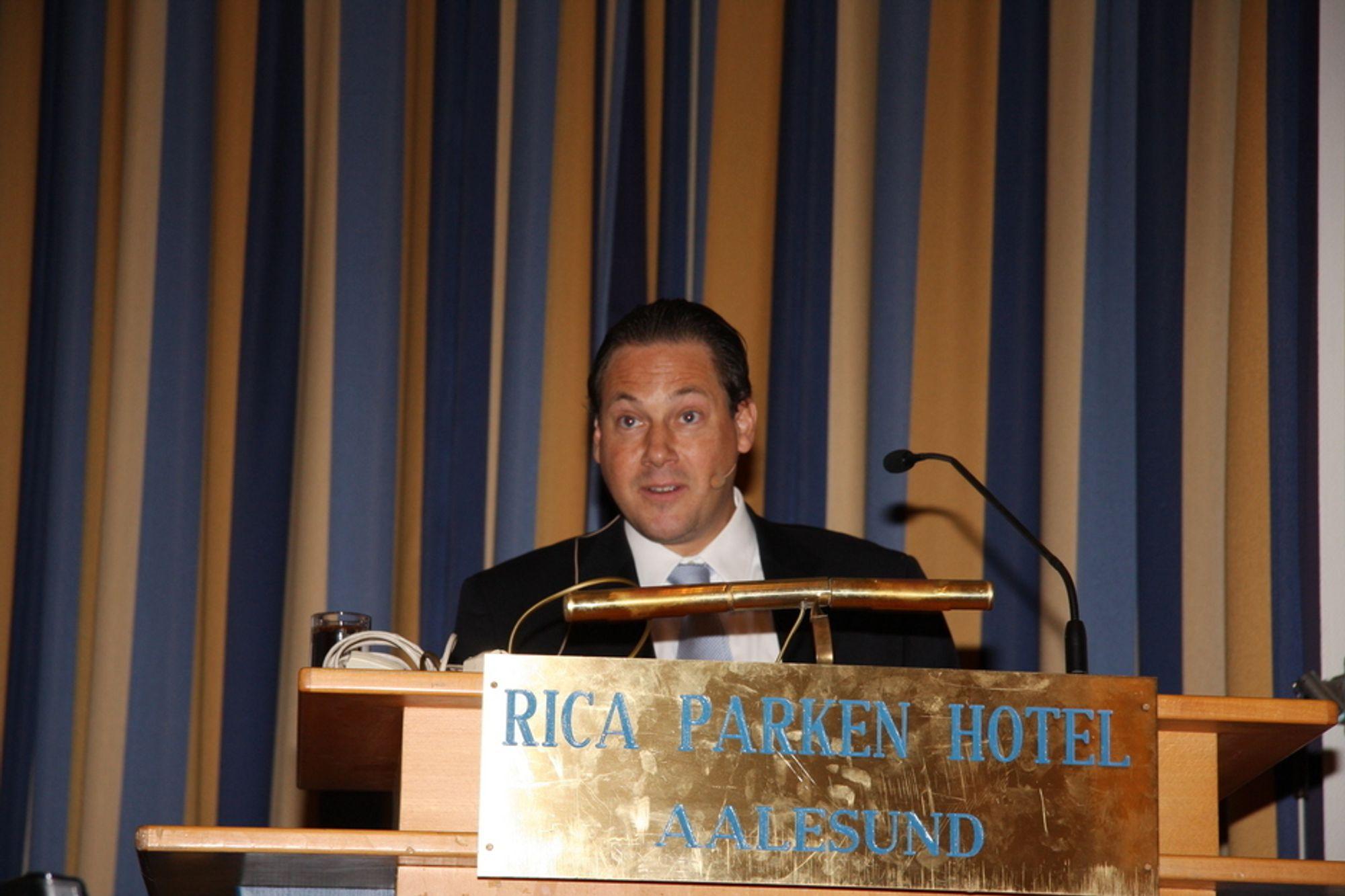 OLJESMØRING: Sjeføkonom Nicolai Hansteen i Lorentzen & Stemoco sier at norske verft i stor grad kan takke offshoreindustrien for positive utsikter.