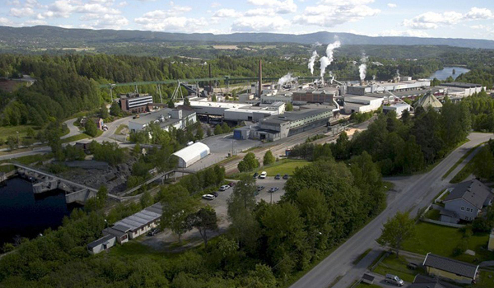 SPEKULASJONER: Det spekuleres rundt om det kommende styremøtet i Norske Skog vil inneholde forslag om å legge ned produksjonen på Follum i Hønefoss.