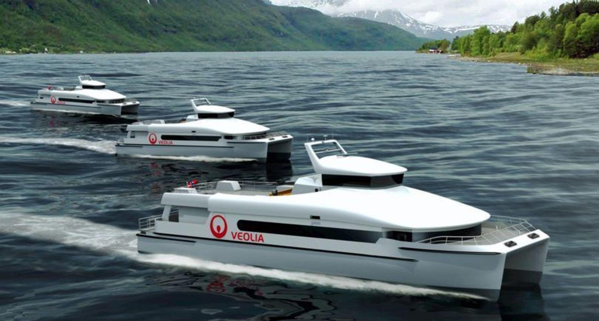 TO AV TRE: Veolia Transport hadde  bestilt tre 35 meter lange katamaraner av Båtservice Mandal for levering i fjor. Etter ulykken med Sollifjell, fikk ikke de to siste sertifikat. Nå kan de imildertid settes i drift. De kan ta 250 passasjerer.
