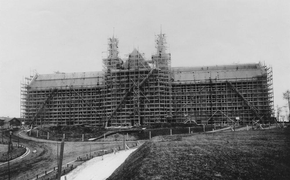 NTH under bygging i 1908. FOTO: Schrøder, Trondhjem.