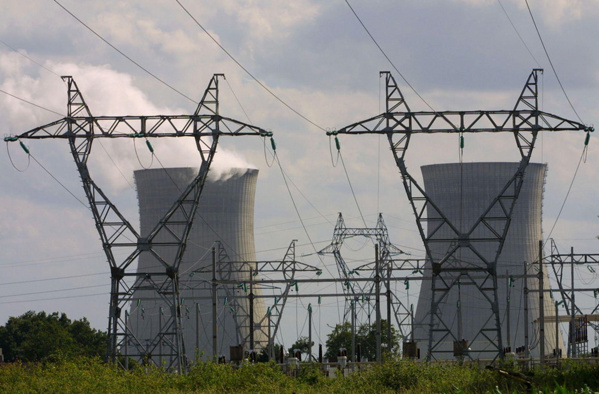 STENGE: Under hetebølgene i 2003 og 2006 måtte 17 kjernekraftverk i Tyskland, Frankrike, Spania, Romania, Slovakia og Tsjekkia redusere produksjonen eller stenge helt. ( Illustrasjonsbilde)