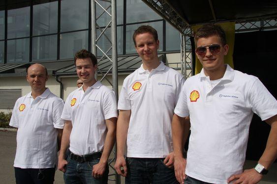 KLARE: Flere av guttene fra Høgskolen i Østfold kan tenke seg å delta neste år også. Fra venstre: Ole Mandt, Andreas, Hogstad, Torgeir Vigeland og Preben Christiansen.