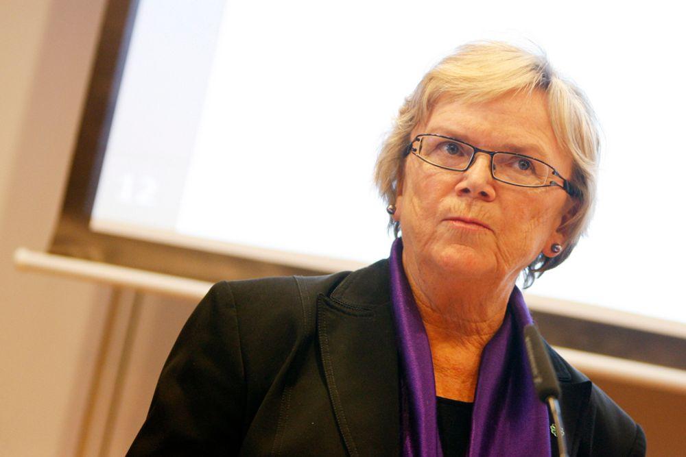 LOVET BOT OG BEDRING FOR JERNBANEN: Samferdselsminister Magnhild Meltveit Kleppa (Sp).
