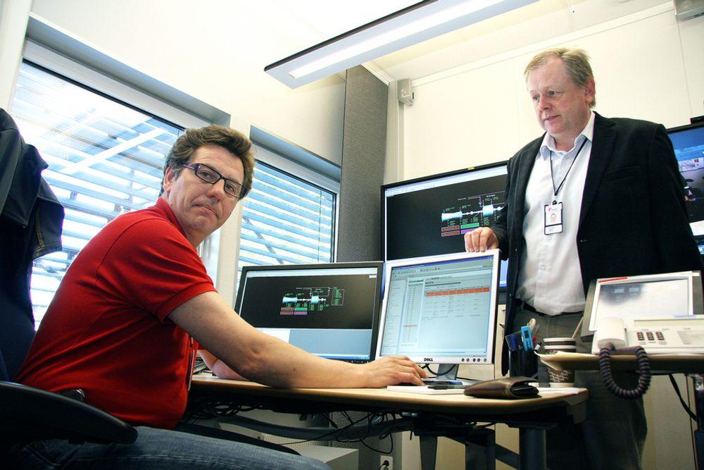 KJAPPERE: Overingeniør Vidar Karslen (t.v.) venter utålmodig på hva fagleder Oskar Fredagsvik får ut av den omfattende dataintegrasjonen i Statoil.