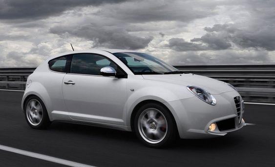 VAKKER: To lekre Alfa Romeo MiTo i brenselcelleversjon blir også en del av testprosjektet i Norge.