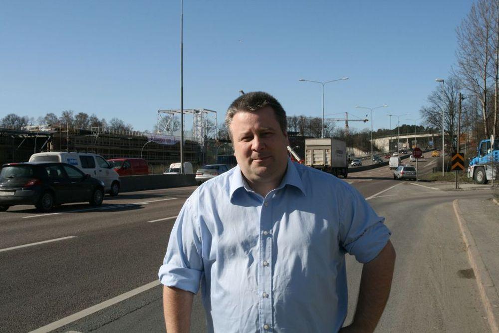 VIL HA FOND: - Dagens situasjon er uholdbar og skaper mye konflikt lokalt, sier nestleder Bård Hoksrud (Frp) i Stortingets transport- og kommunikasjonskomité.