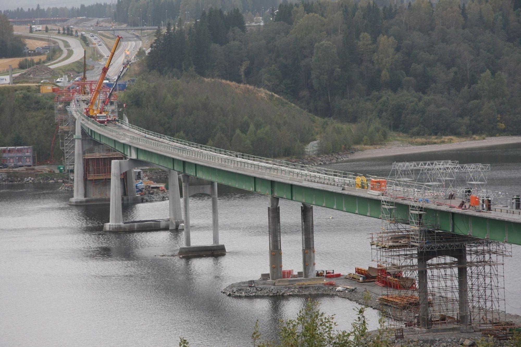 UTVIDES: Minnesund-broen blir nesten dobbelt så bred i forbindelse med nye E6.