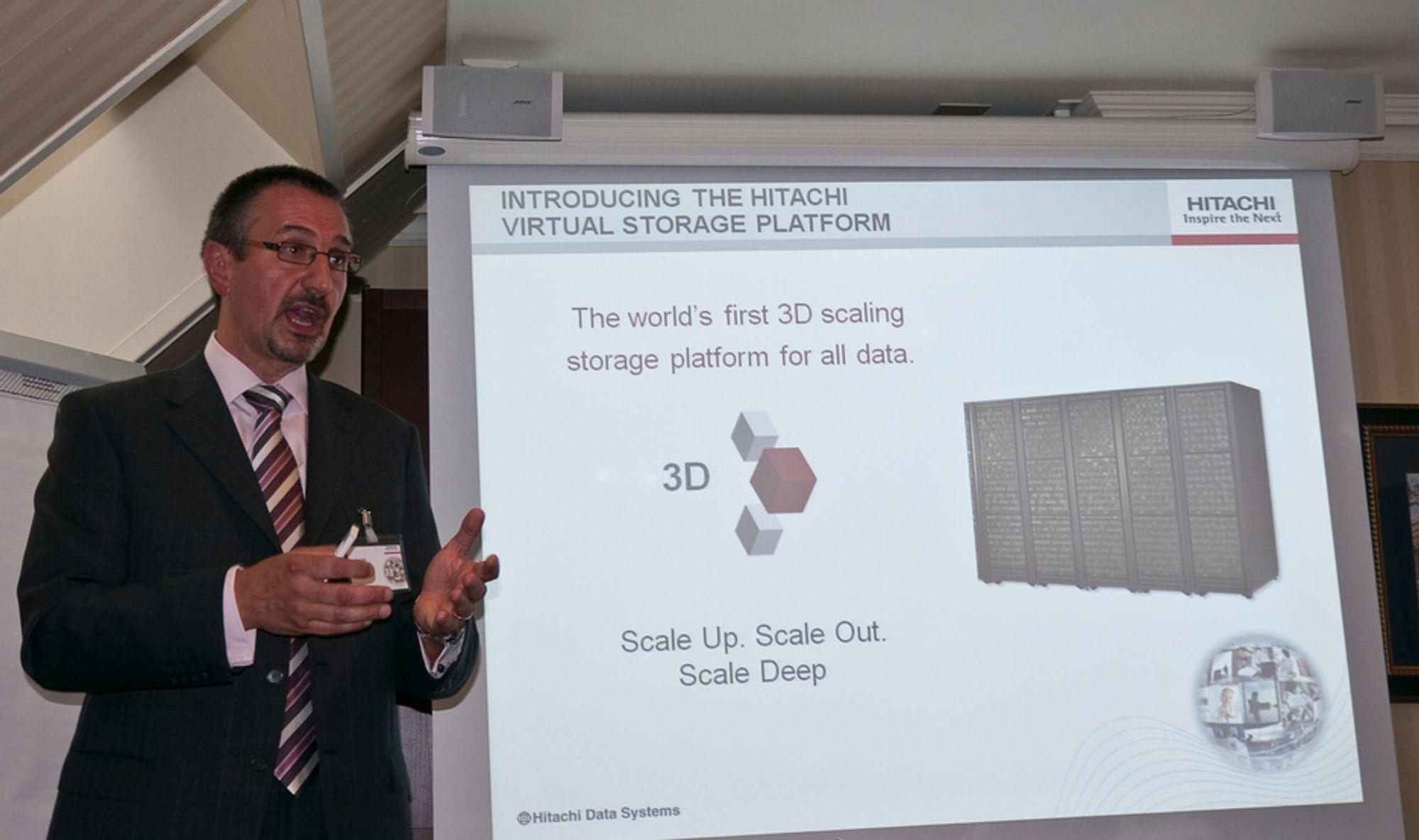 3D: Bob Plumridge, direktør for teknisk markedsføring for Hitachi Data Systems i Europ,a mener ny teknologi må til for å få plass til alt vi lagrer digitalt.