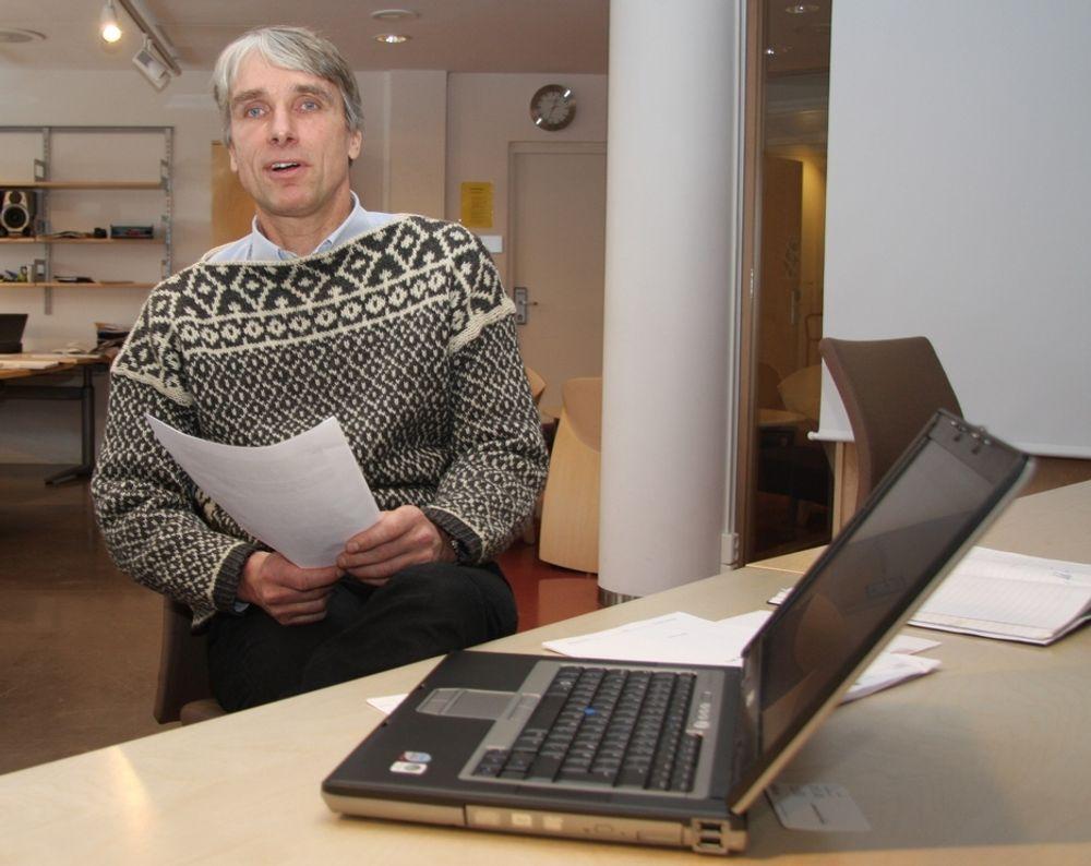 KANINER: Prosjektleder Henrik Nore bruker folkeavstemminger som prøvekaniner før ilddåpen i kommunevalget neste høst.
