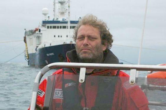 290609 Frederic Hauge foran seismikkskip TFA