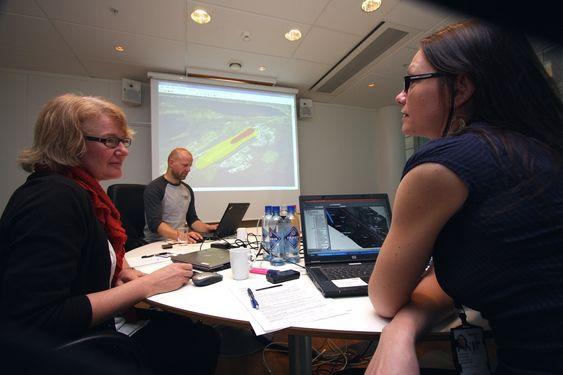 ETT SYSTEM: Avinor har nå samlet sine geografiske data i én integrert GIS-løsning. Fra venstre: Torunn Carlsson, Inge Anundskås og Inger Lise G. Widerøe.