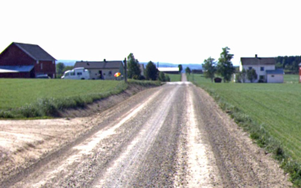 Dette er fylkesveg 255. Den er en av tre som får fast dekke innen 1. november.