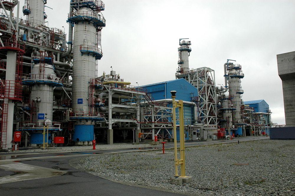 KOMPLISERT: Kårstø består av flere prosessanlegg som er byget ut over en lang periode. Å bygge om dette for å samle opp CO2 er svært omfattende.