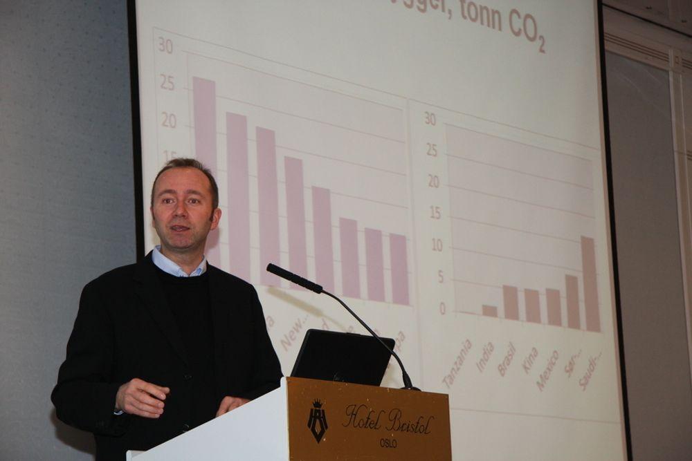 FOR MILJØET: Næringsminister Trond Giske sier det ofte er industrien mer enn forbrukerne som er drivkraften bak ny teknologi.