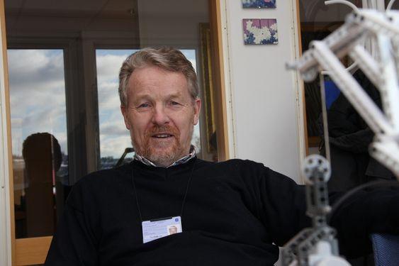 PROBLEM: Lave lønninger og dårlige muligheter for jobb etterpå gjør at professor Terje Lien bare fikk en nordmann som søker på ledig stilling som doktorgradsstudent. Foto: Trond Gram