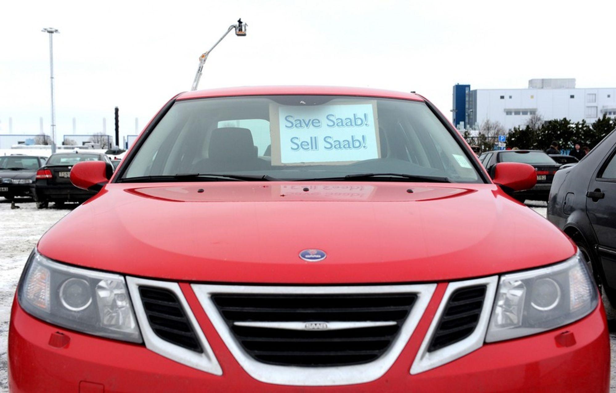 Spyker kjøper den svenske bilprodusenten Saab av General Motors, erfarer SVT.