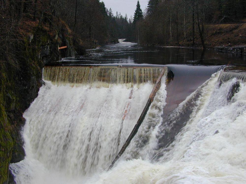 EKSISTERTE IKKE: NVE trodde de inspiserte et mikrokraftverk, men istedet var det et drikkevannsuttak. (Illustrasjonsbilde)