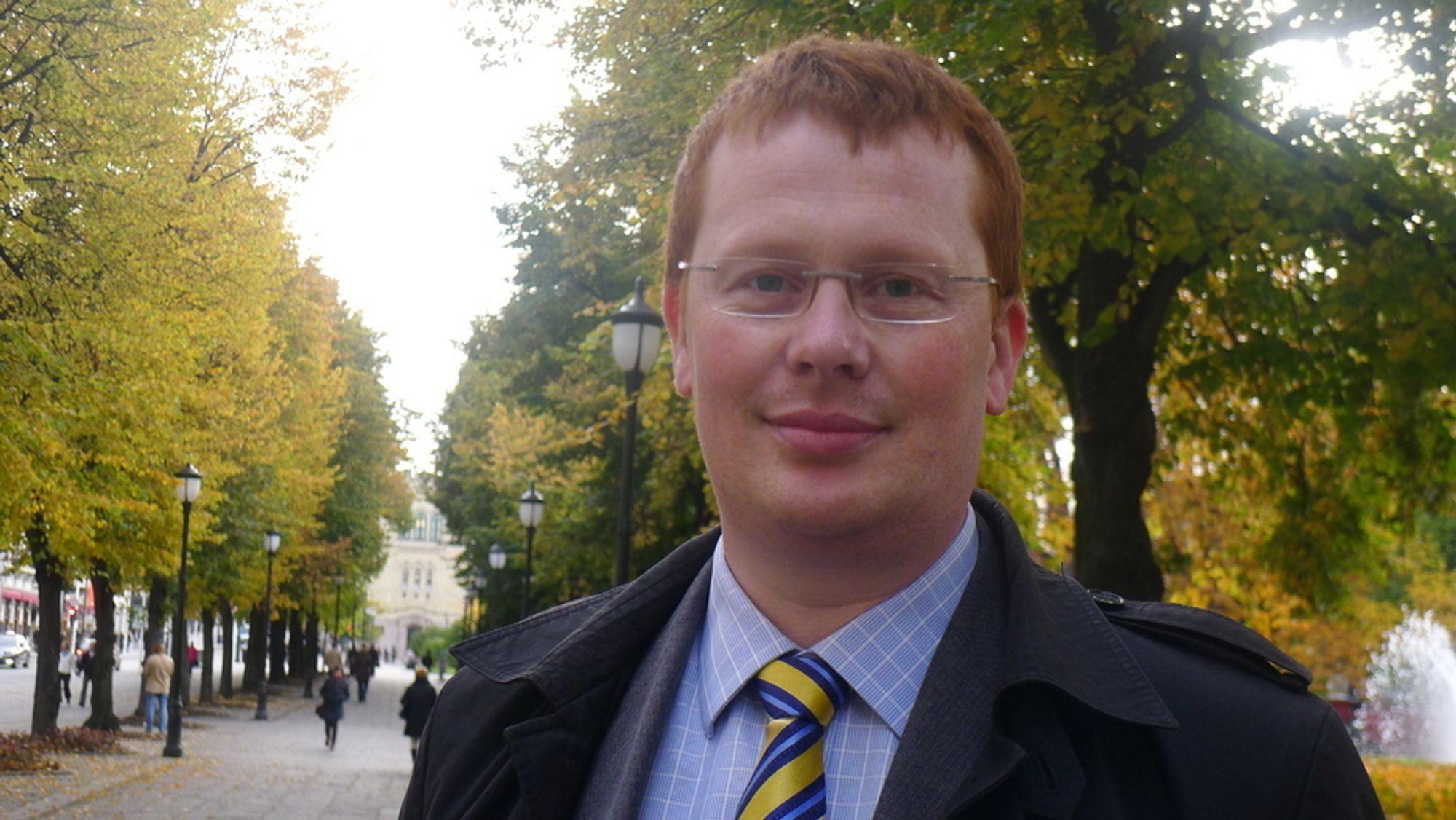 KRITISK: ¿ Vi forutsetter at lovens krav følges til enhver tid, sier leder for Småkraftforeningen, Håvard Glette.