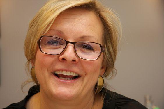 SOSIAL: Rikke Lind går for å være en svært omgjengelig og sosial person.