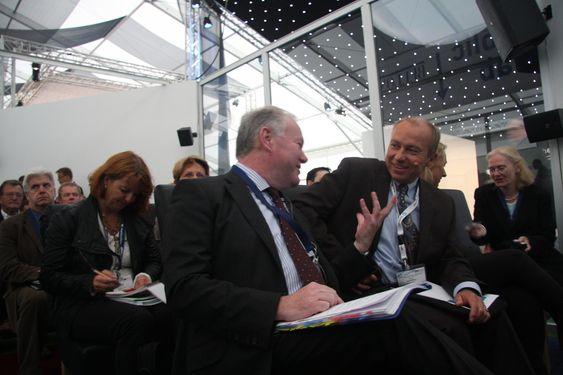 GOD TONE: Den britiske energiministeren Charles Hendry fant tonene med Statkrafts Christian Rynning-Tønnesen på Statkrafts seminar om offshore vind.