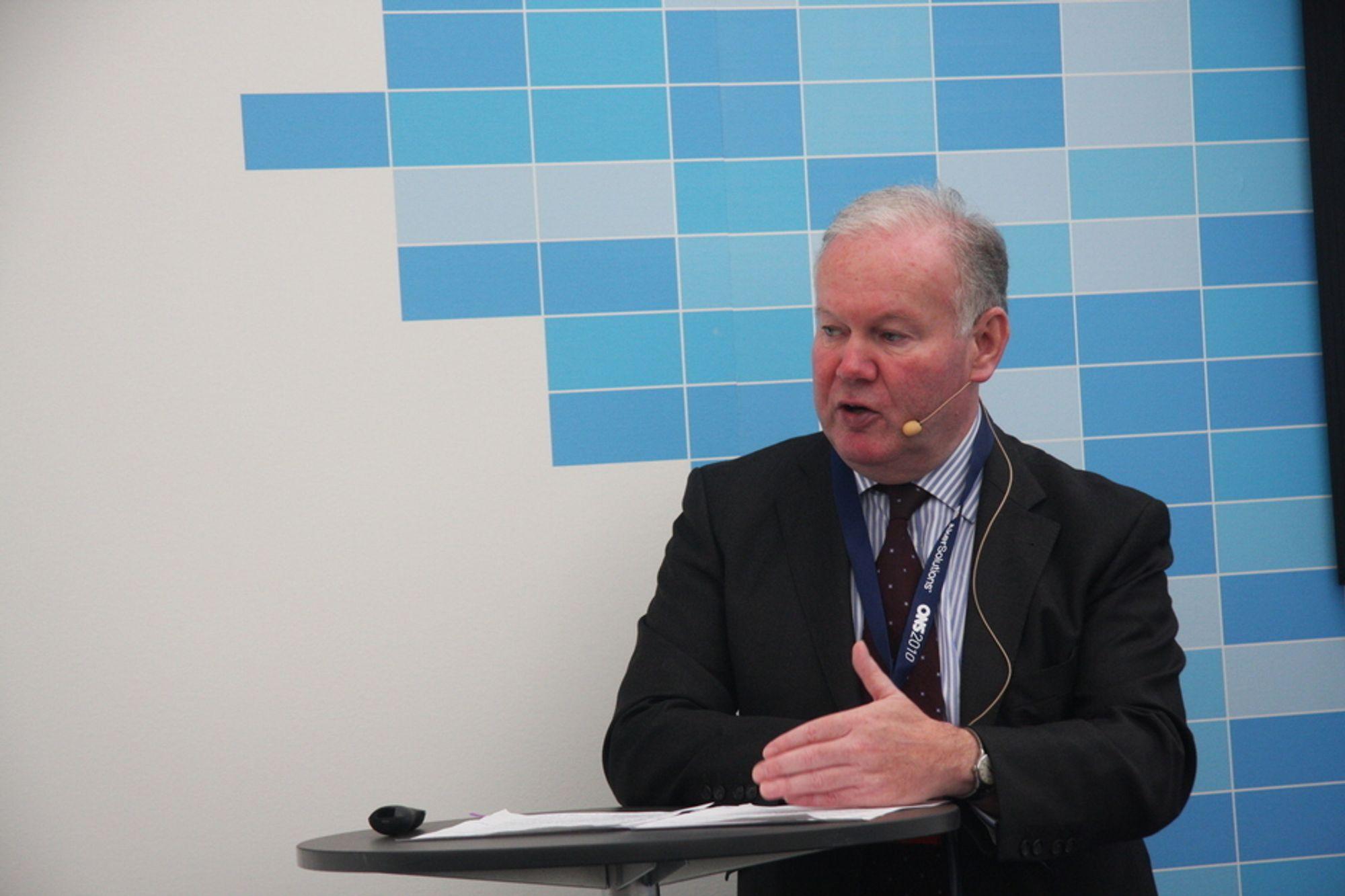 FRIERFERD: - Vi ønsker at de som er interessert i å investere i Storbritannia, skal føle seg trygg på rammebetingelsene, forsikrer den britiske energiministeren, Charles Hendry.